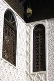 Het bronsvenster van Marrocos riad Stock Fotografie