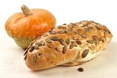 Het brood van de pompoen met zaden Stock Afbeeldingen