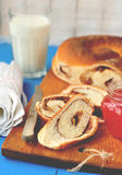 Het Brood van de Werveling van de kaneel en van de Okkernoot Royalty-vrije Stock Afbeeldingen