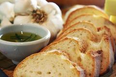 Het brood van het knoflook & rozemarijnolie, landschap royalty-vrije stock foto's