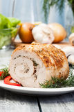 Het broodje van de varkensvleesleeuw met paddestoelen wordt gevuld die Royalty-vrije Stock Afbeelding