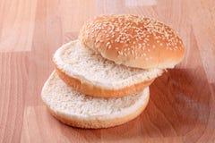 Het broodje van het sesamzaad Stock Foto's