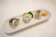 Het broodje van Sabasushi op plaat royalty-vrije stock fotografie
