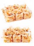 Het broodje van sushi met tonijn het scheren Stock Foto's