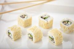 Het broodje van sushi op de plaat Royalty-vrije Stock Fotografie