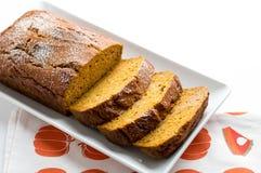Het broodplakken van de pompoencake Stock Afbeeldingen