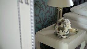 Het bruids boeket van het huwelijk stock footage