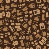 Het bruine naadloze patroon eps10 van koffiepictogrammen Stock Foto