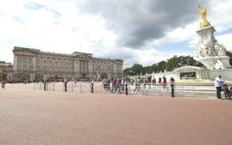 Het Buckingham Palace is de woonplaats van Londen en het administratieve hoofdkwartier van de regerende monarch van het Verenigd  Royalty-vrije Stock Foto