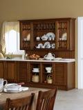 Het buffet van de keuken met oude waren Stock Afbeelding