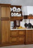 Het buffet van de keuken met oude waren Stock Afbeeldingen