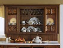 Het buffet van de keuken met oude waren Royalty-vrije Stock Afbeeldingen