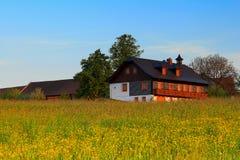 Het buitenhuis van de zomer Stock Foto
