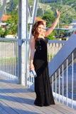 Het Bulgaarse kleine meisje van stads gelukkige prom royalty-vrije stock foto
