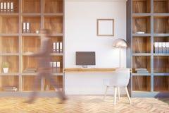 Het bureau binnenlandse, witte muren van het zolderhuis, mens Royalty-vrije Stock Afbeelding