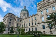 Het Bureau van de het Huisreis van de staat in Indianapolis Indiana During Summer stock afbeeldingen