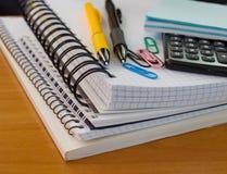 Het bureaulevering van de school Stock Foto's