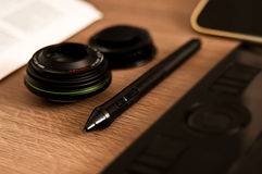 Het bureausamenstelling van de fotograafontwerper Stock Foto's