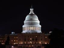 Het Capitool van de V.S. bij nacht Stock Afbeelding