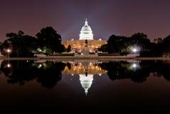 Het Capitool van Verenigde Staten bij nacht Royalty-vrije Stock Afbeelding