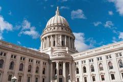 Het Capitoolbuitenkant van de Staat van Wisconsin Stock Foto