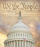 Het Capitoolkoepel van de V.S. met de Grondwet royalty-vrije stock foto's