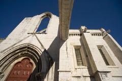 Het Carmelite klooster Lissabon Portugal de ruïnes van de Gotische kapel van de de Kerkarchitectuur van de nonnenaardbeving Royalty-vrije Stock Foto's