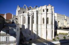 Het Carmelite klooster Lissabon Portugal de ruïnes van de Gotische kapel van de de Kerkarchitectuur van de nonnenaardbeving Stock Afbeelding