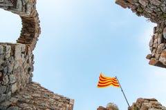 Het Catalaanse vlag vliegen Stock Foto's