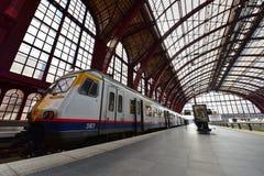 Het Centrale die Station van Antwerpen, door het nationale spoorwegbedrijf NMBS in werking wordt gesteld stock foto