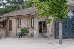 Het centrale vierkant van het oude dorp royalty-vrije stock afbeelding