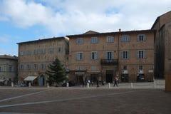 Het centrale vierkant van Urbino, Italië stock fotografie