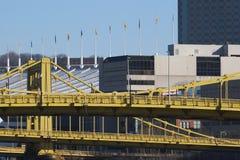 Het Centrum & de Bruggen van de Overeenkomst van Pittsburgh Stock Afbeelding