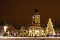 Het centrum van Brasov in de dagen van Kerstmis, Roemenië