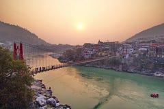 Het centrum van de de stadsspiritualiteit van de Rishikeshyoga in India Stock Fotografie