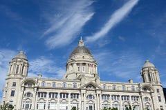 Het centrum van de Iverpoolstad - Drie vereren, gebouwen op Liverpool& x27; s wa Stock Afbeelding