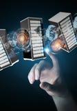 Het centrum van de ruimtegegevens van zakenman het verbindende servers 3D teruggeven Stock Fotografie
