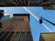 In het centrum van het financiële district in Frankfurt, Duitsland Stock Foto's