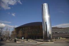 De Baai van Cardiff met het Centrum van het Millennium stock foto