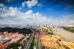 Het centrum van Ho-Chi-Minh-Stad naast de Saigon-Rivier Royalty-vrije Stock Afbeelding