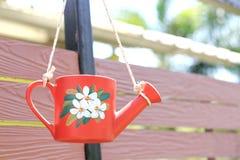 Het ceramische Hulpmiddelen Water geven stock afbeeldingen