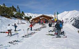 Het chalet van de ski in de Oostenrijkse Alpen Royalty-vrije Stock Foto