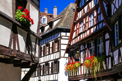 Het charmeren betimmerde half huizen van oude stad in Straatsburg frankrijk Stock Fotografie