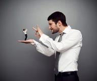 Het chef- schoppen uit de werkgever stock fotografie