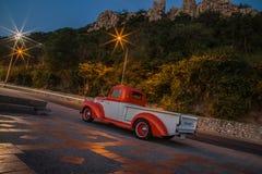 Het Chevrolet-vrachtwagen 1941 parkeren in de kust op 1 Februari, 2016, Thailand Royalty-vrije Stock Foto's
