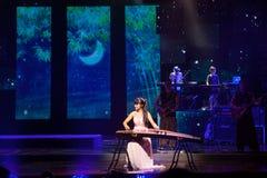 Het Chinese Guzheng-spelen Royalty-vrije Stock Afbeeldingen