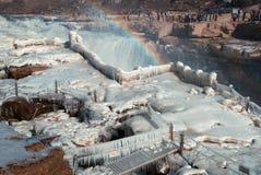 Het Chinese Hukou-Waterval bevriezen in de winter Royalty-vrije Stock Foto