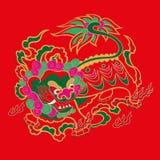 Het Chinese patroon van de borduurwerkleeuw Stock Foto's