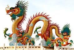 Het Chinese standbeeld van de stijldraak, dat in Thailand wordt genomen Stock Foto's