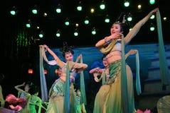 Het Chinese traditionele dansen Stock Afbeeldingen